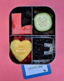 Photo: Becoming a Bentoholic http://www.becomingabentoholic.com/2014/02/love.html