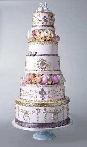 Versailles-inspired cake