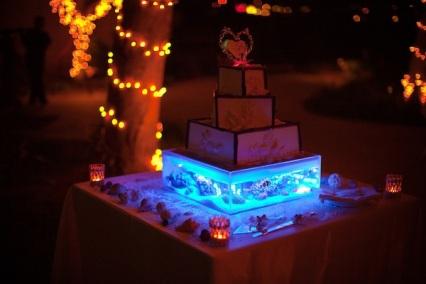 led-cake-stand-light-up-glow-wedding-cakes